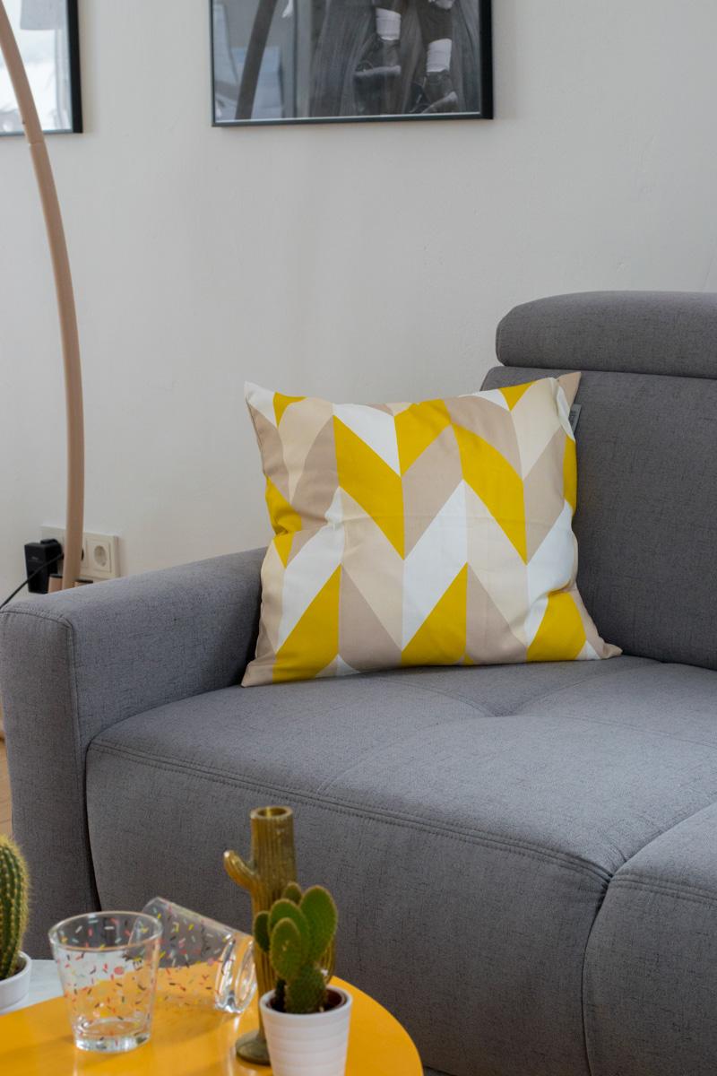 Sonnengelb im Wohnzimmer   Happy Home 2018 mit Höffner