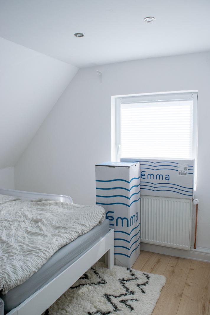 familienbett mit geschwistern die umstellung auf zwei kinder. Black Bedroom Furniture Sets. Home Design Ideas